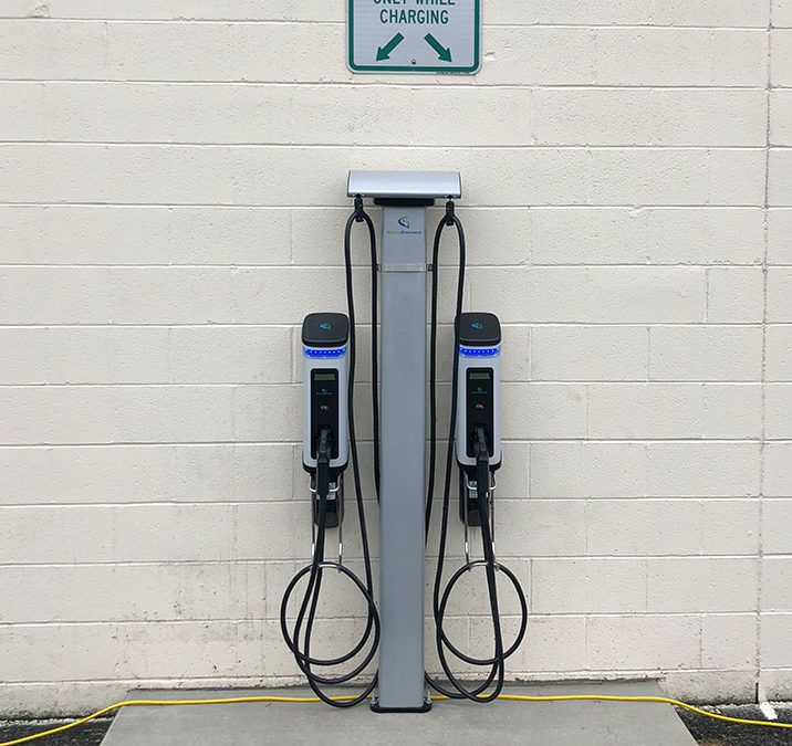 East Coast Storage Installs SemaConnect Electric Vehicle Charging Stations